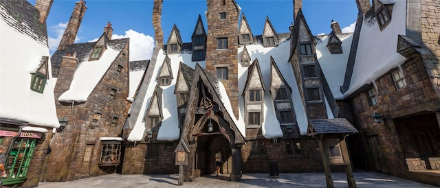 Three Broomsticks™ - Universal Studios Hollywood